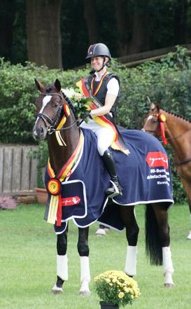 Gentleman und Sandra Auffarth werden Bundeschampion der 5-jährigen Vielseitigkeitspferde!